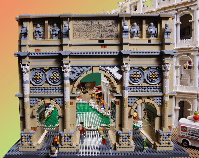 Massive 200,000-Piece Roman Colosseum Is the Most Impressive Lego Architecture Model I