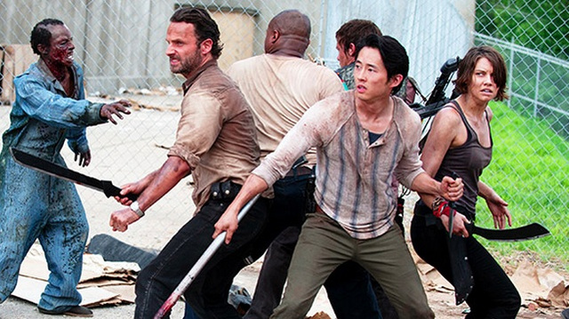 Nude Zombies And Undead Radiohead: 10 Fun Facts From The Walking Dead Comic-Con Interviews