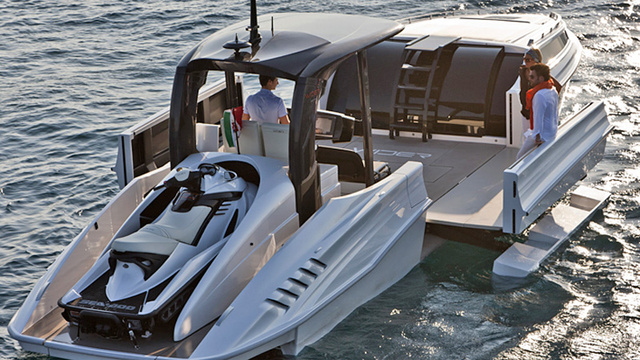 You'll Never Run Out Of Deck Space On This Expanding Yacht