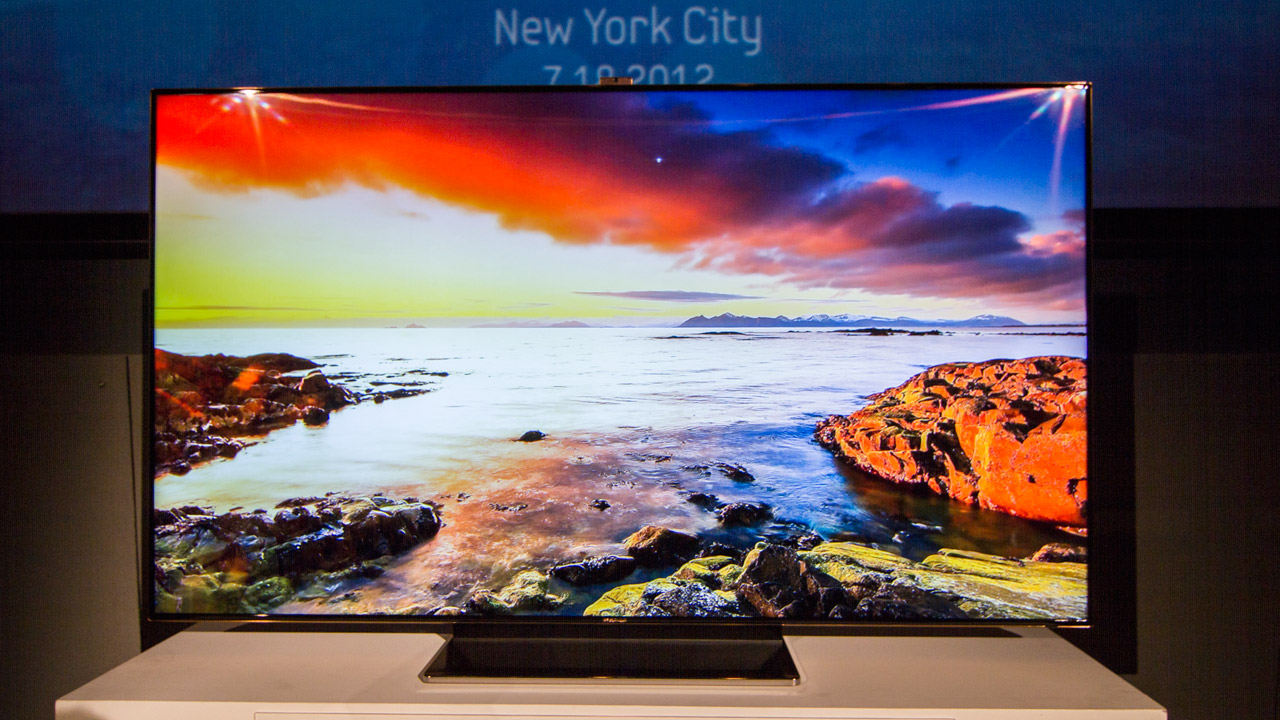 Click here to read Samsung's New 75-Inch HDTV Is a Beautiful Beast