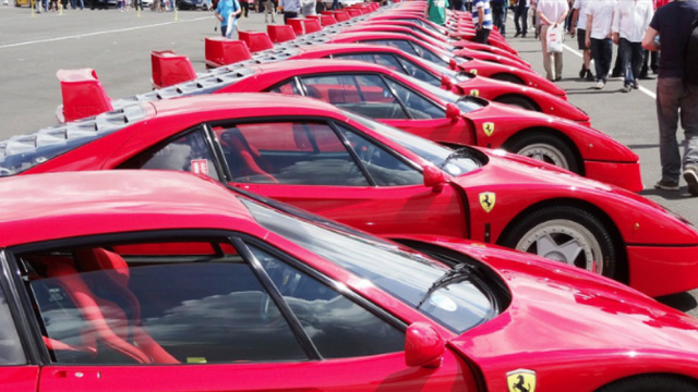 This Is The Largest Parade Of Ferrari F40s In The World