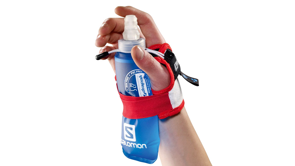 how to clean salomon water bottles