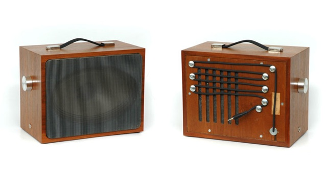 Click here to read Delightful Vintage Speakers Resurrected for Your Music Player