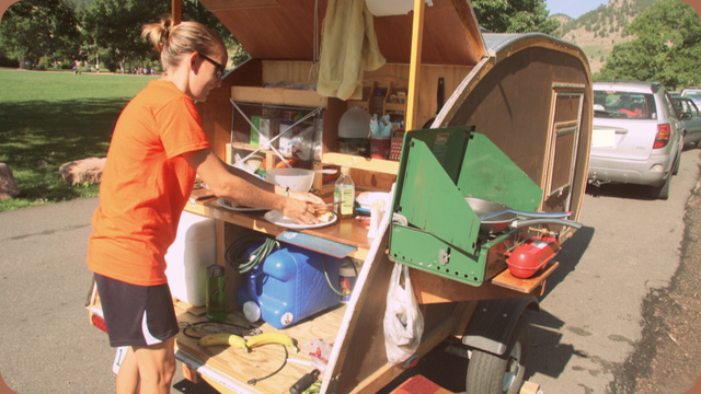 How To Build A Small Camping Trailer: Pictures