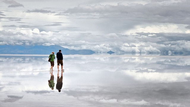 The Largest Mirror In the World Is Also One of the Most Beautiful Places on Earth