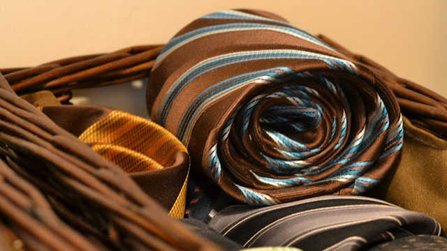 Roll Neck Ties for Easier Storage and Fewer Wrinkles