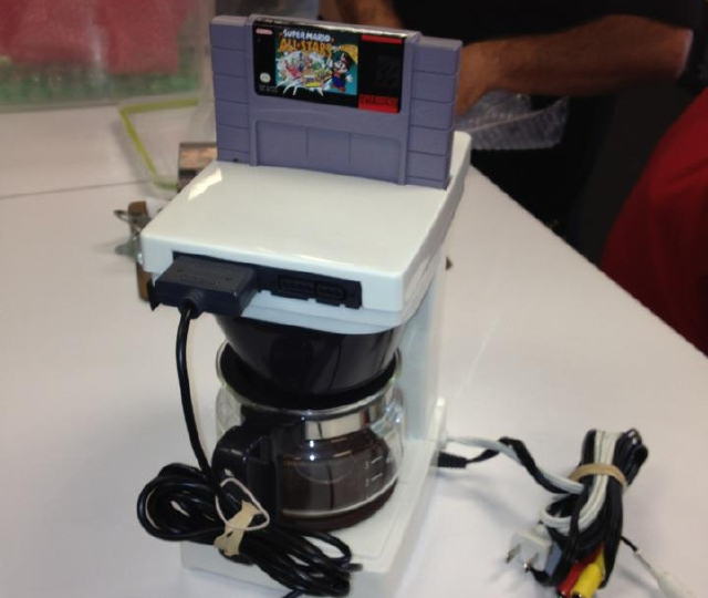 Click here to read The Best Part of Waking Up is a Super Nintendo in Your Cup