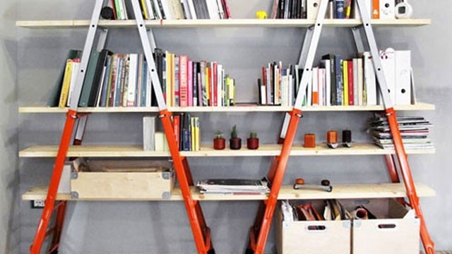 Click here to read DIY Bookshelves from Ladders