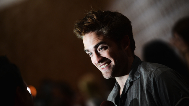 Probably Spurious Report: Robert Pattinson Loses Himself in the World of Online Gaming to Cope with Break-Up