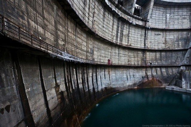 Can Someone Put This Dam in a Video Game? Please?