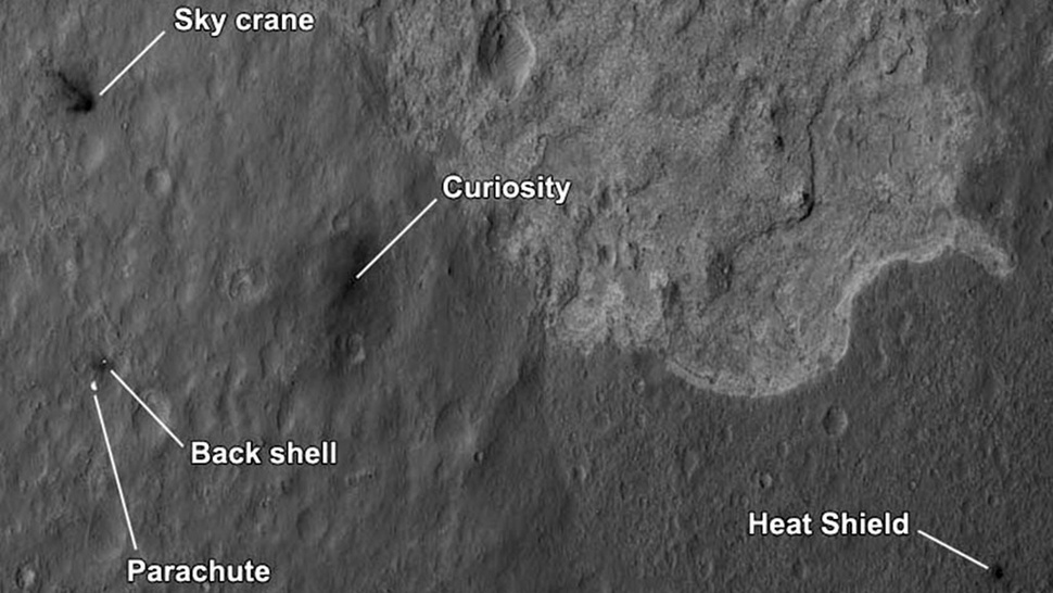 New Picture Shows Curiosity's Landing System Pieces Crashed All Around Mars