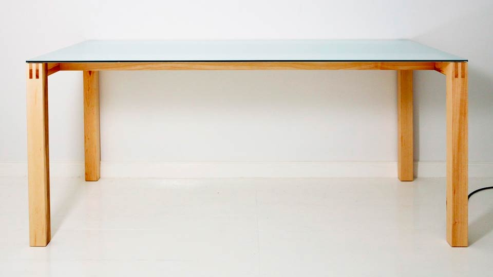 Click here to read Where Is This Beautiful Table Hiding an AirPlay Speaker?