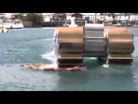 Click here to read Pontoon Treads Let This Tank Tear Across Land and Water
