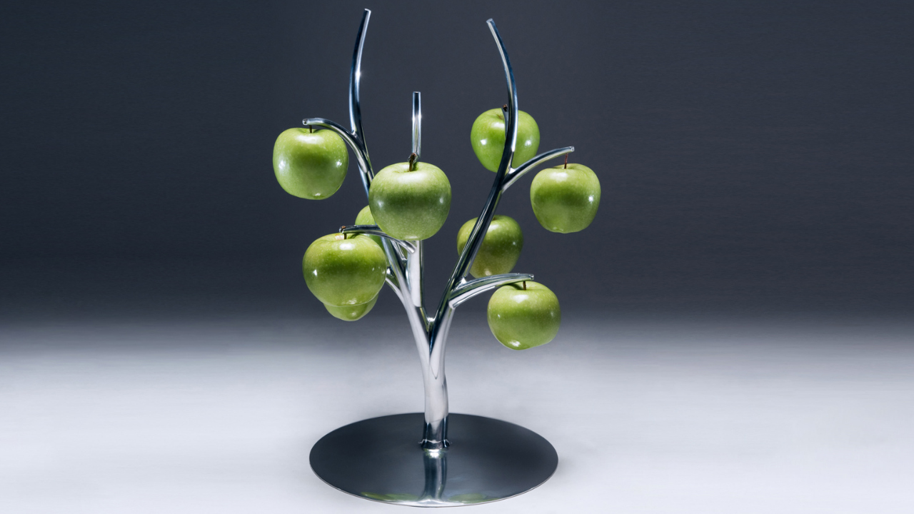 Click here to read Sleek Eva Fruit Hanger is Pun in the Kitchen