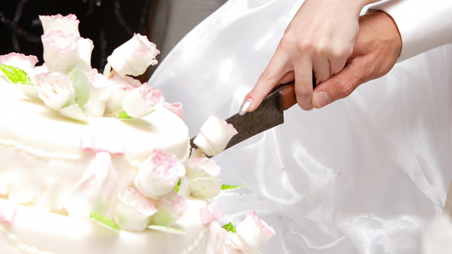 Woman Stabs Fiance to Death on Wedding Day