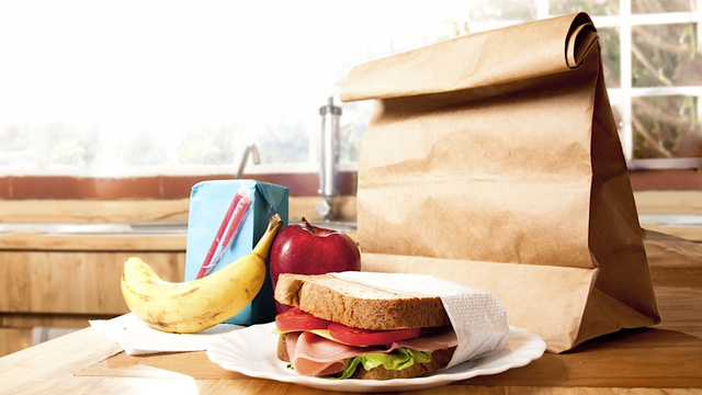 Survey Discovers that Making School Lunches Is Way Too Stressful