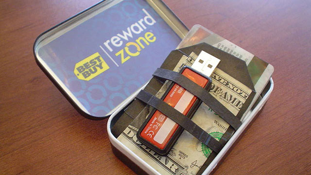Use an Altoid Tin as an RFID-Blocking Wallet
