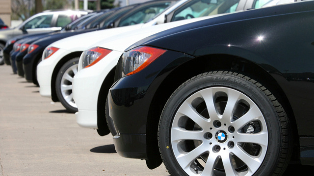 Audi Looks Backward, BMW Counts Loaners, And Toronto's Mayor Eyes Papers