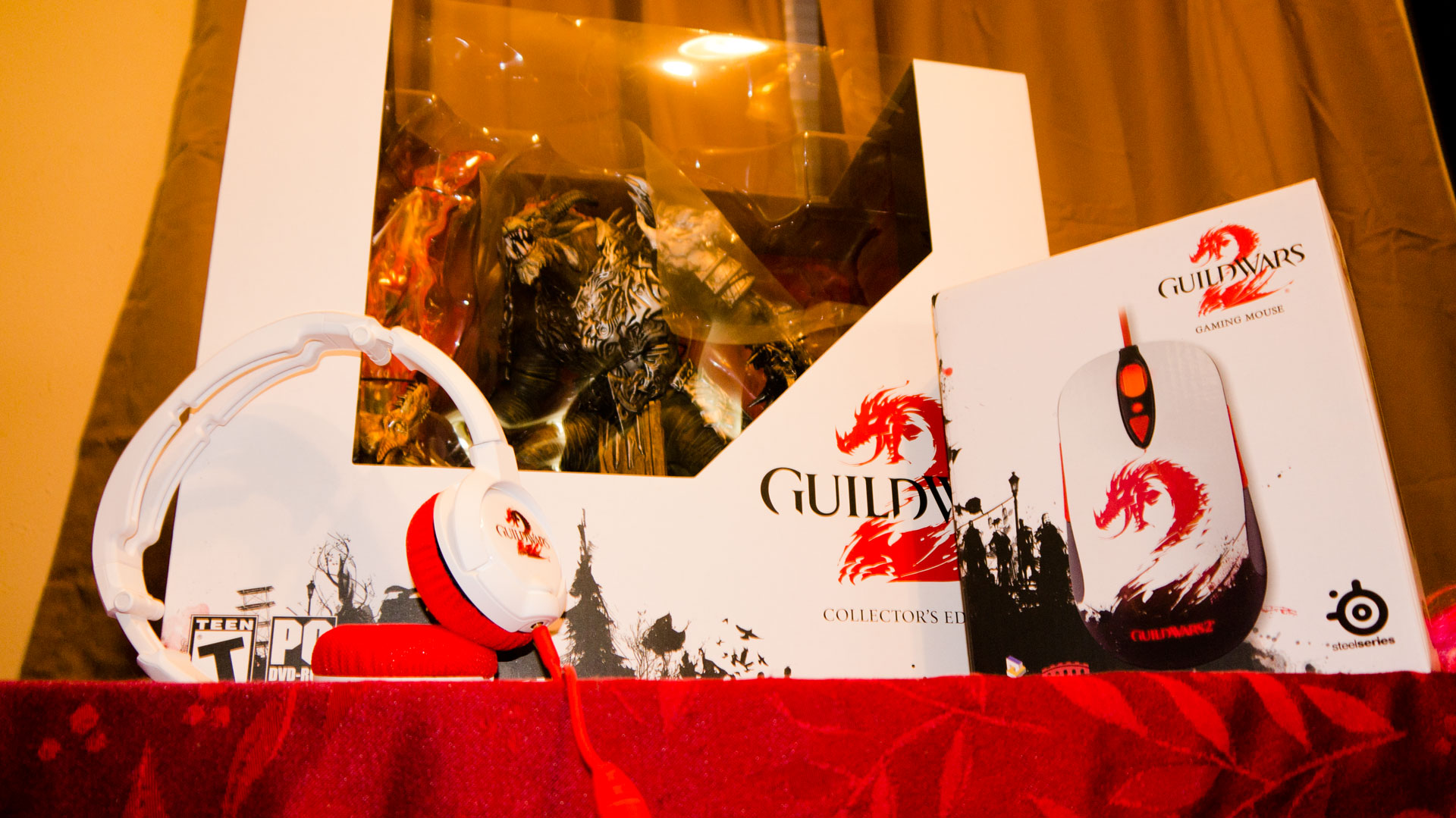 Click here to read The Official &lt;em&gt;Guild Wars 2&lt;/em&gt; Mouse and Headset are Freaking Adorable