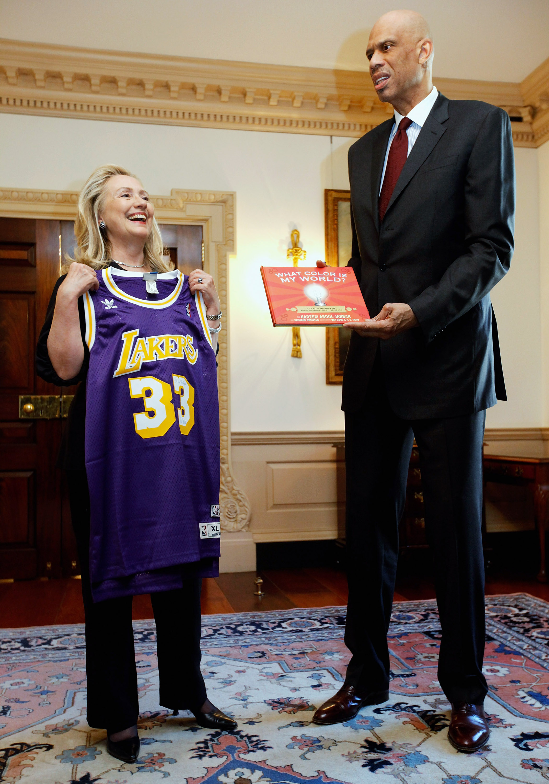 After Whining About It, Kareem Abdul-Jabbar Will Get A Statue A…
