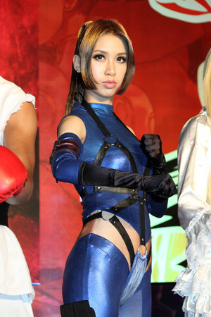 Street Fighter and Tekken Brought to Life Before Your Eyes