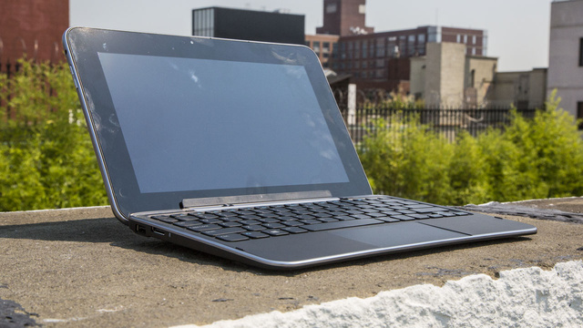 Dell's XPS 10 Tablet Is What a Laptop/Tablet Hybrid Is Supposed to Look Like