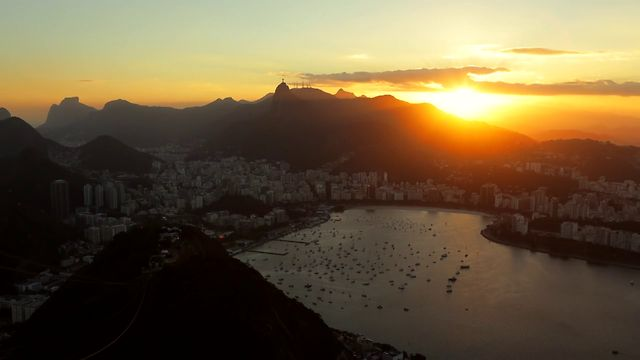 Click here to read This Time Lapse of Rio De Janeiro Makes It Look Like a Beautiful Make Believe World