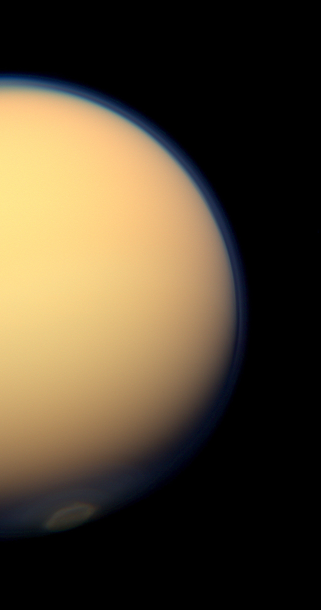 Holy crap, these true-color photographs of Saturn are gorgeous