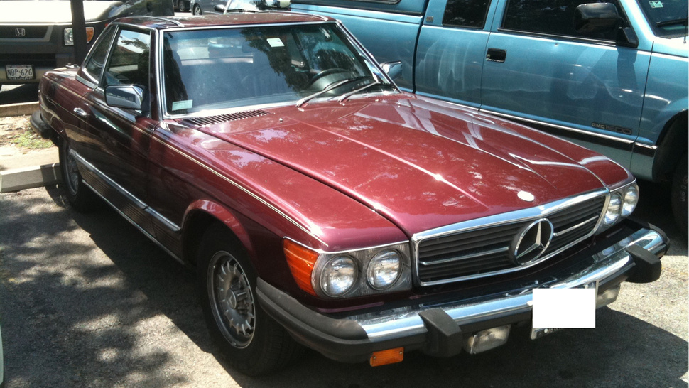 Mercedes 380 SL Proves Real Class Never Goes Out Of Style