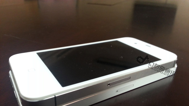 First Video of an iPhone 5 Booting Up