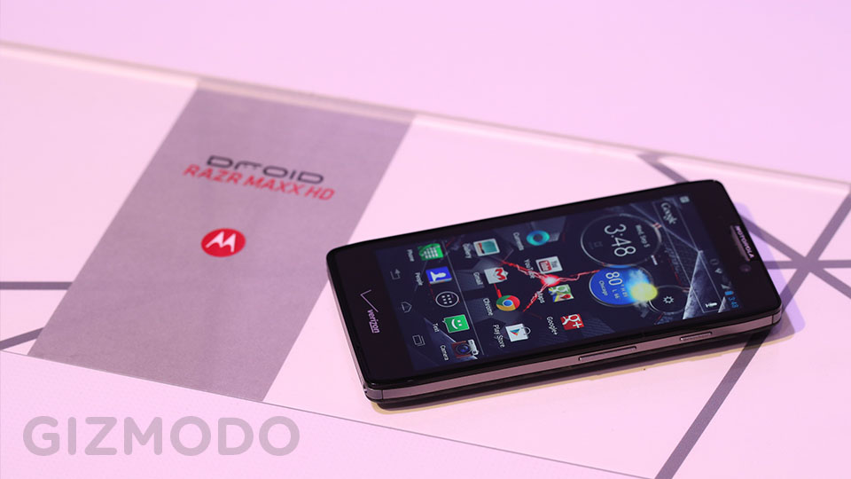 Click here to read Motorola Droid RAZR HD: Beauty in a Kevlar Coat