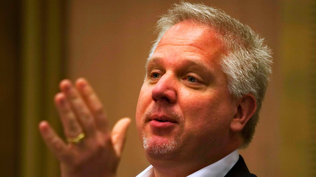 Glenn Beck Pouts About How American Airlines Was Mean to Him