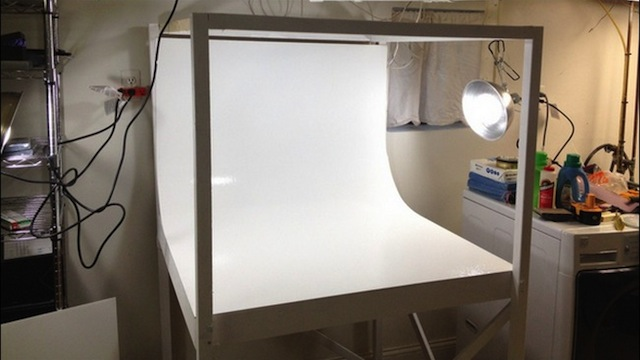 Click here to read This DIY Mini Photo Studio Is Perfect for Amateur and Pro Photographers