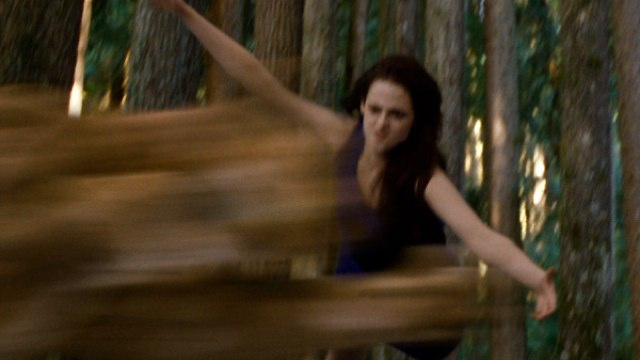 Here is that Twilight footage of Bella Swan fighting a mountain lion