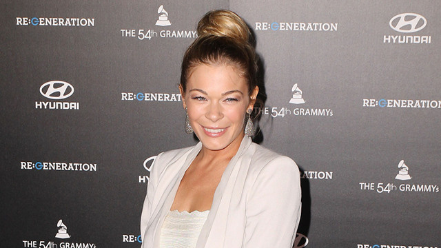LeAnn Rimes Is Still Suing Her Cyberbully, But She'll Donate Lawsuit Winnings to Charity