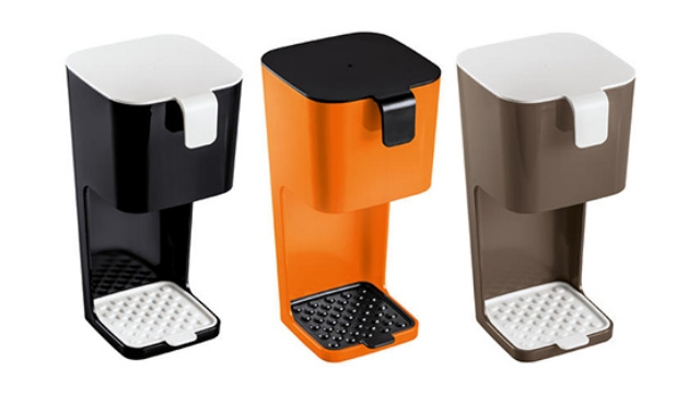 Take Coffee Making Into Your Own Hands With These Sleek Unplugged Coffee Makers