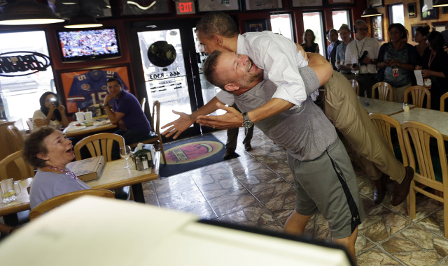 Pizza Shop Owner Who Bear-Hugged Obama Facing Boycott Threats from Angry Republicans