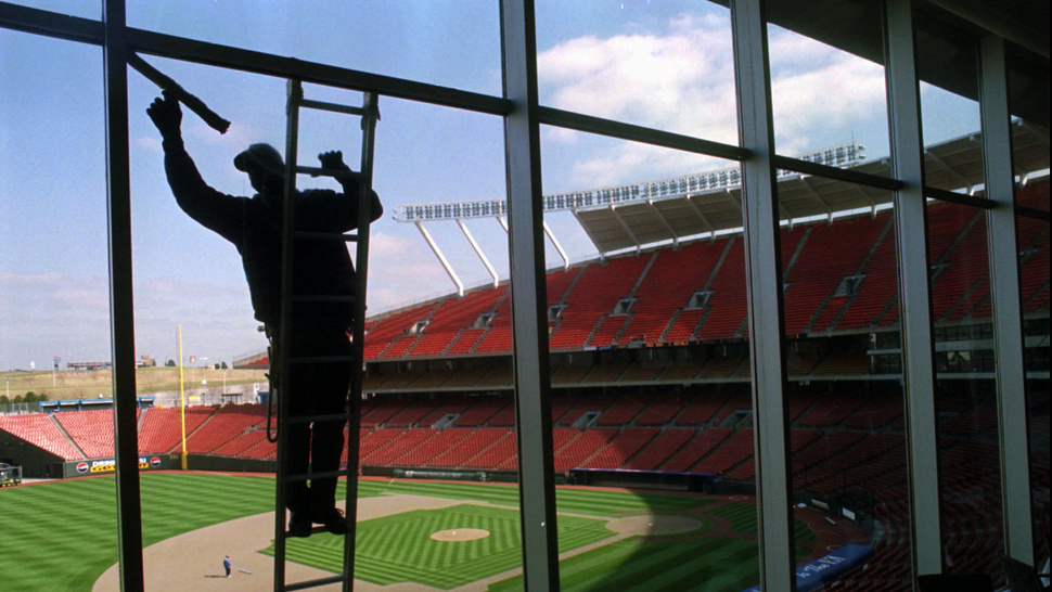 "The Royals Are Hiring A Window Washer: ""Must Not Be Afraid Of Heights"""