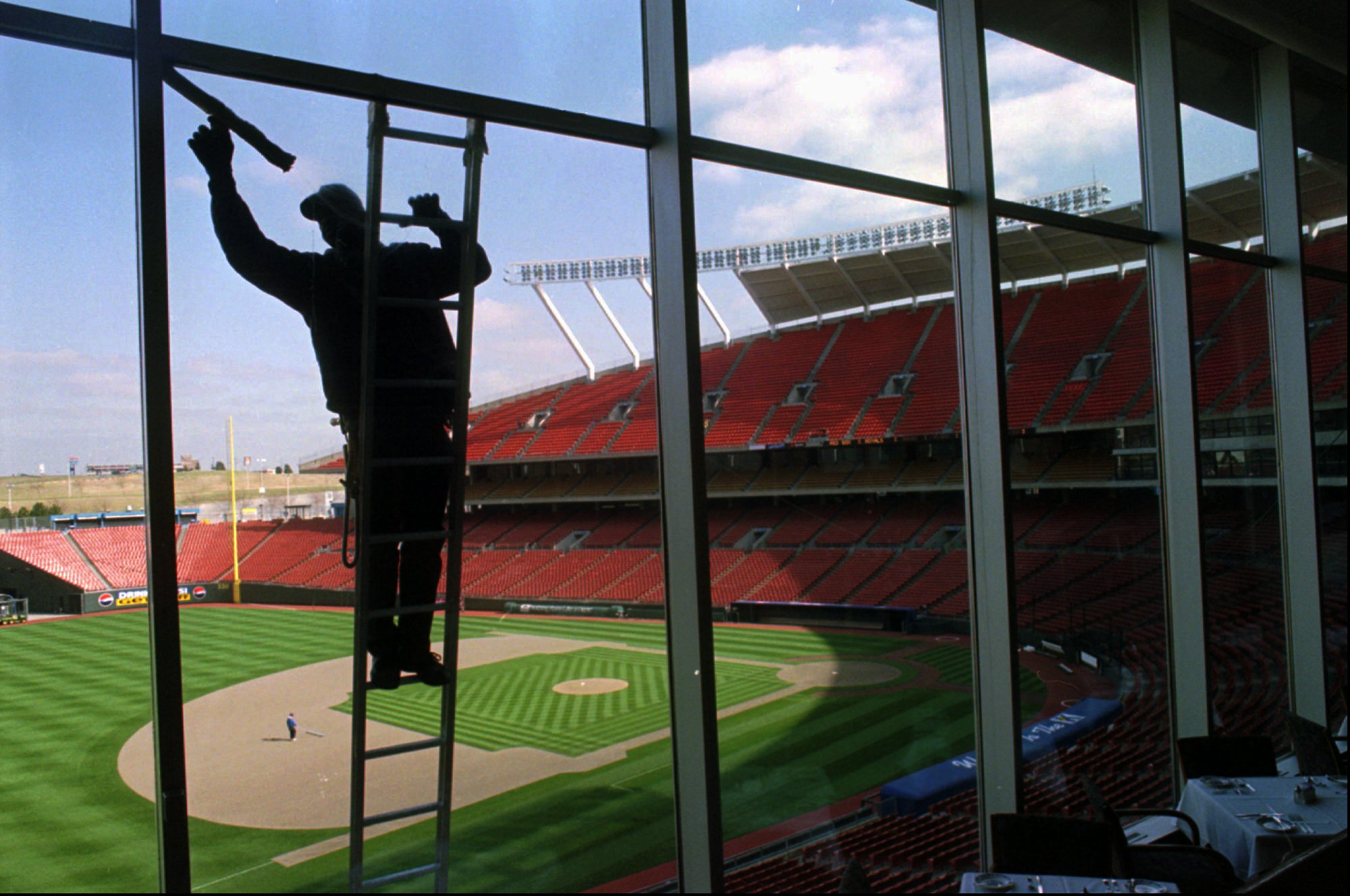 "The Royals Are Hiring A Window Washer: ""Must Not Be Afraid…"