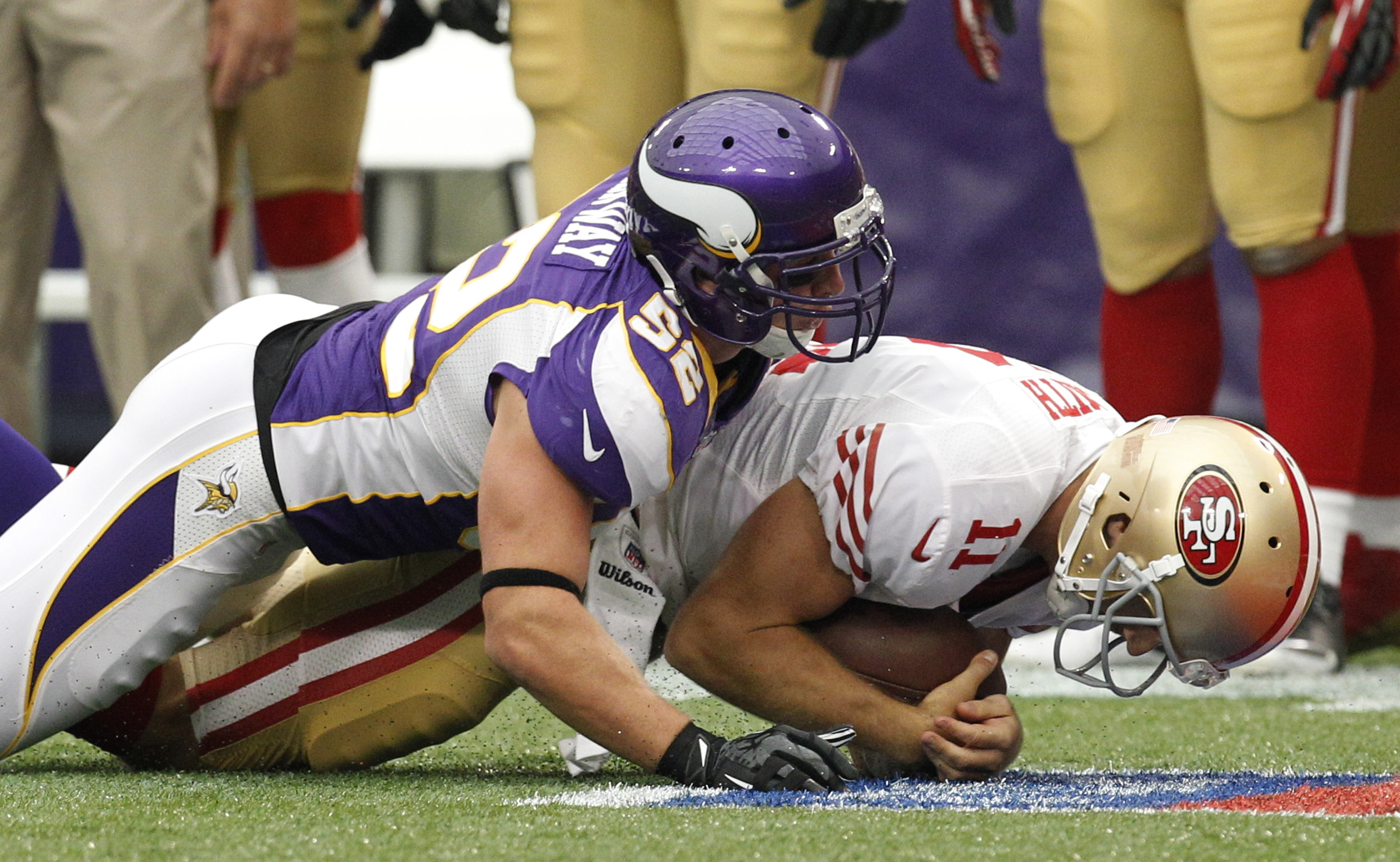 Click here to read Christian Ponder Played Quarterback Despite The 49ers Best Efforts, In One GIF