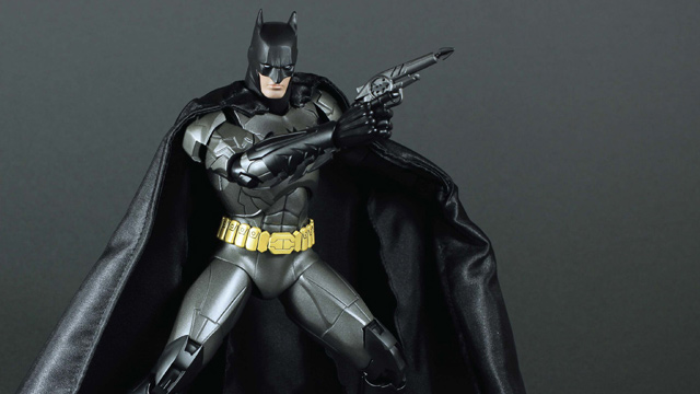 Click here to read I'm in Love With a Giant Batman Figure That's Made Out of Metal