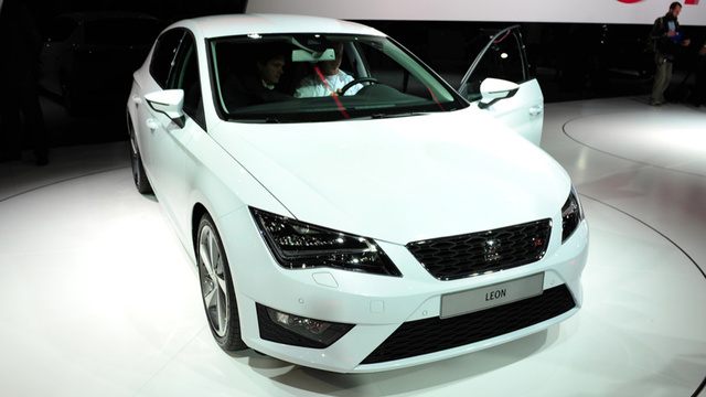 The Seat Leon Is The Better Looking 2014 Volkswagen Golf
