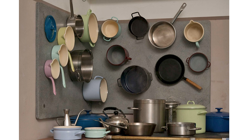 Magnetic Panels Turn Your Kitchen Walls Into Extra Storage