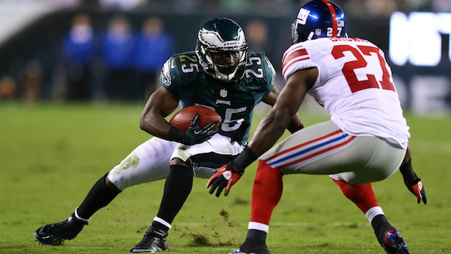 LeSean McCoy Used To Say His Last Name While Juking People In P…