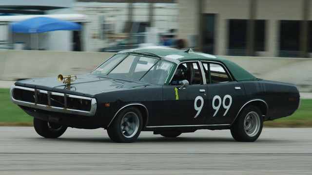 A Jalopnik Reader Just Won The Index Of Effluency At The 24 Hours Of LeMons