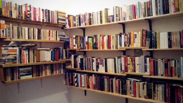 Make an Affordable Bookshelf with Bed Slats and Ikea Brackets