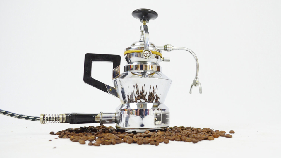 This Espresso Maker Is The Most Beautiful Thing You'll Ever Wake Up To