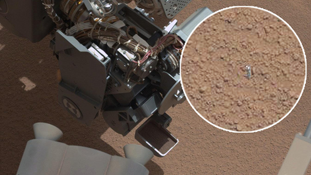 Curiosity discovers a chunk of itself on the Martian surface, SarcasticRover jumps all over it