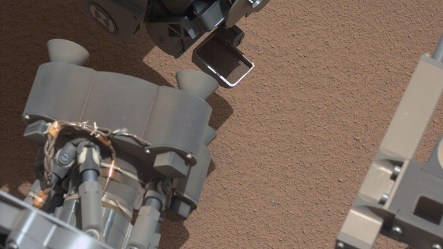 What Is This Shiny Metallic Thing Found On Mars?