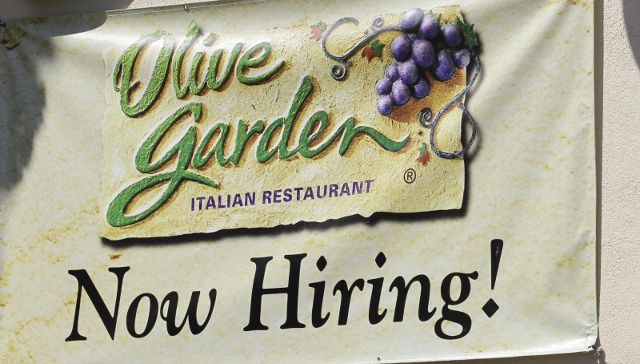 Olive Garden, Red Lobster Scale Back Employee Work Hours to Avoid Paying for Health Insurance